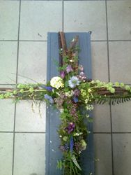 Natural Flower Design for Funerals by Michaela Jankowiak